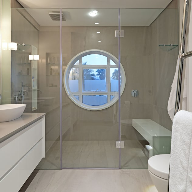 Penthouse The President Bantry Bay KMMA architects Modern bathroom