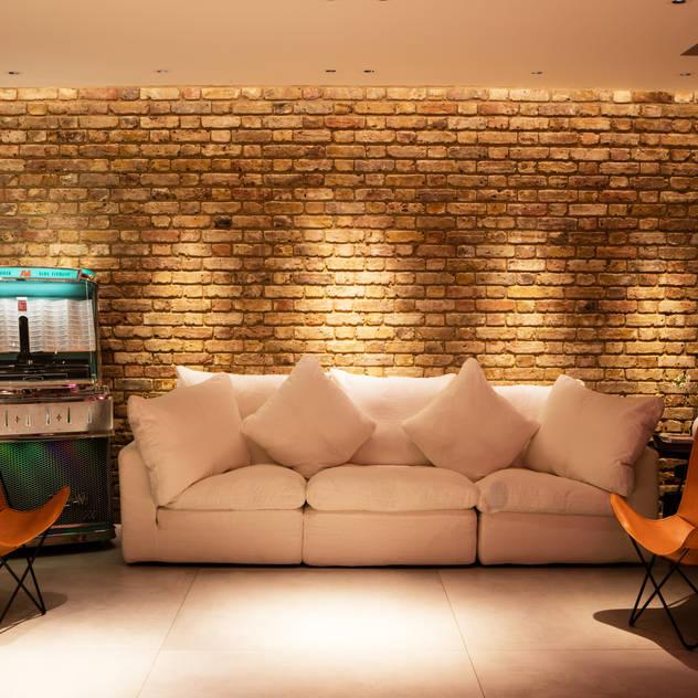 Interior Flemish bond Brick Feature Wall MB Masterbuilders Ltd. Living room