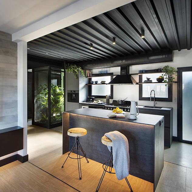 Nhà bếp phong cách chiết trung bởi Egue y Seta Chiết trung