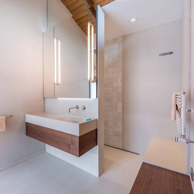 Chiemsee Phòng tắm phong cách kinh điển bởi Vivante Kinh điển