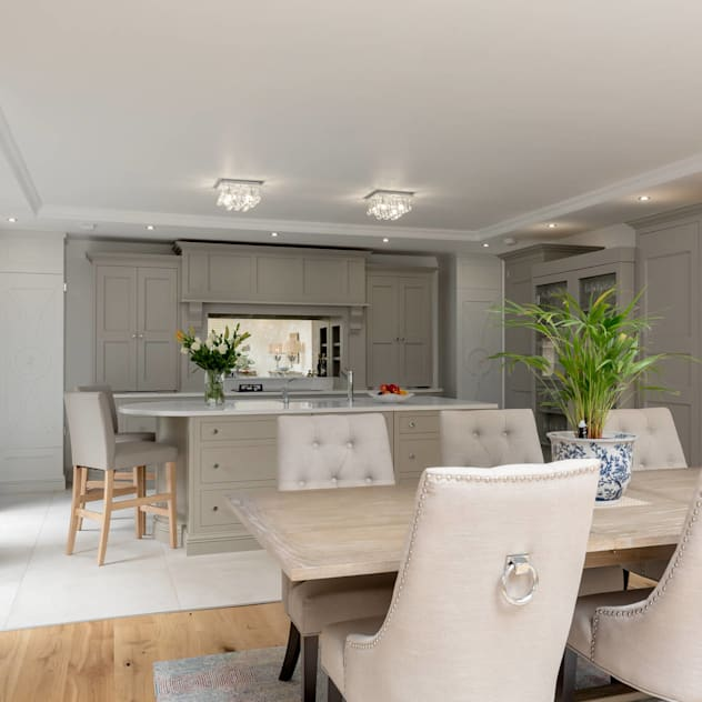 Kitchen diner in grey by Christopher Howard Christopher Howard Classic style dining room Wood Grey