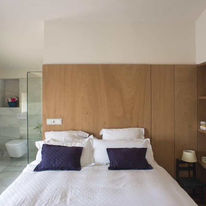 Reforma casa FCN en Onil, Alicante: Dormitorios de estilo moderno de DMP arquitectura