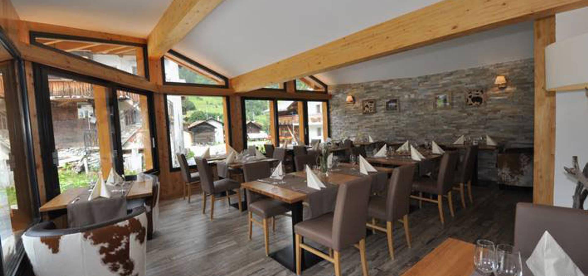 Décoration et mise en ambiance d un restaurant de montagne