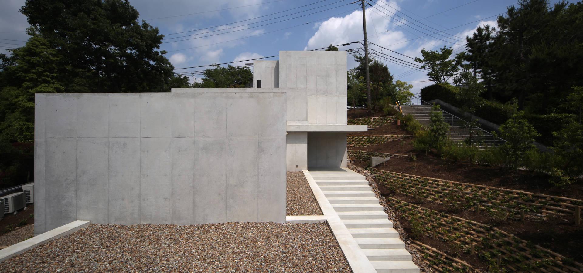 TOMOAKI  UNO  ARCHITECTS