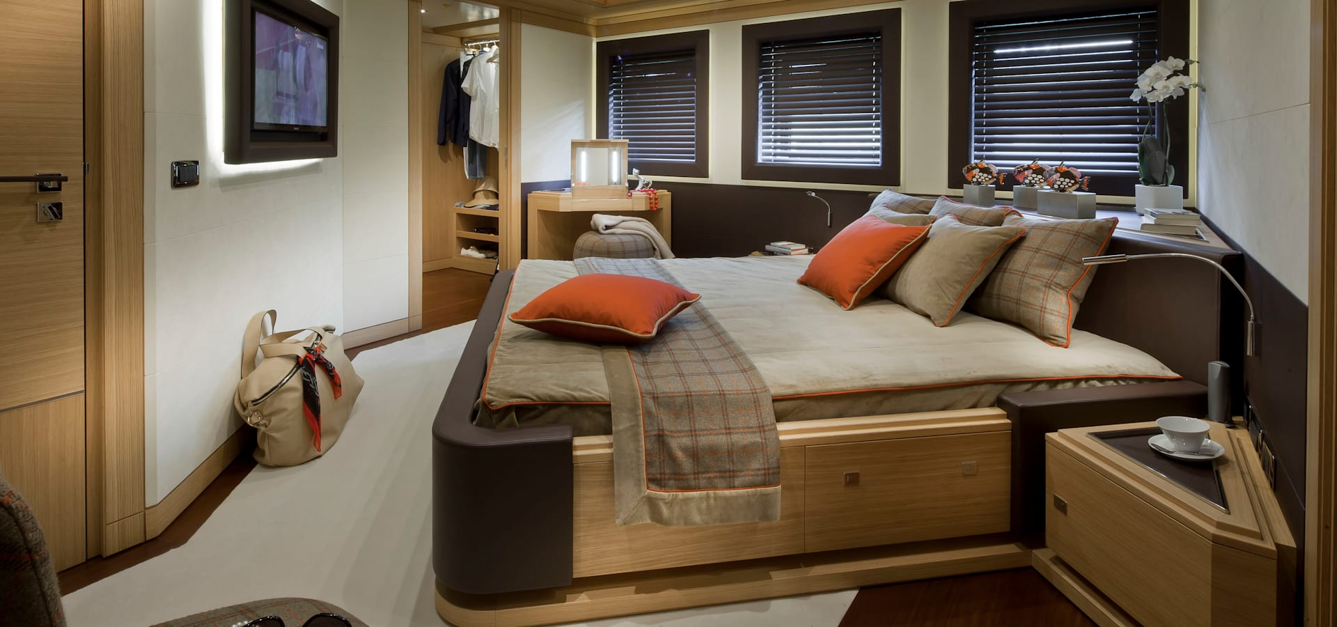 CRN SPA – YACHT YOUR WAY-