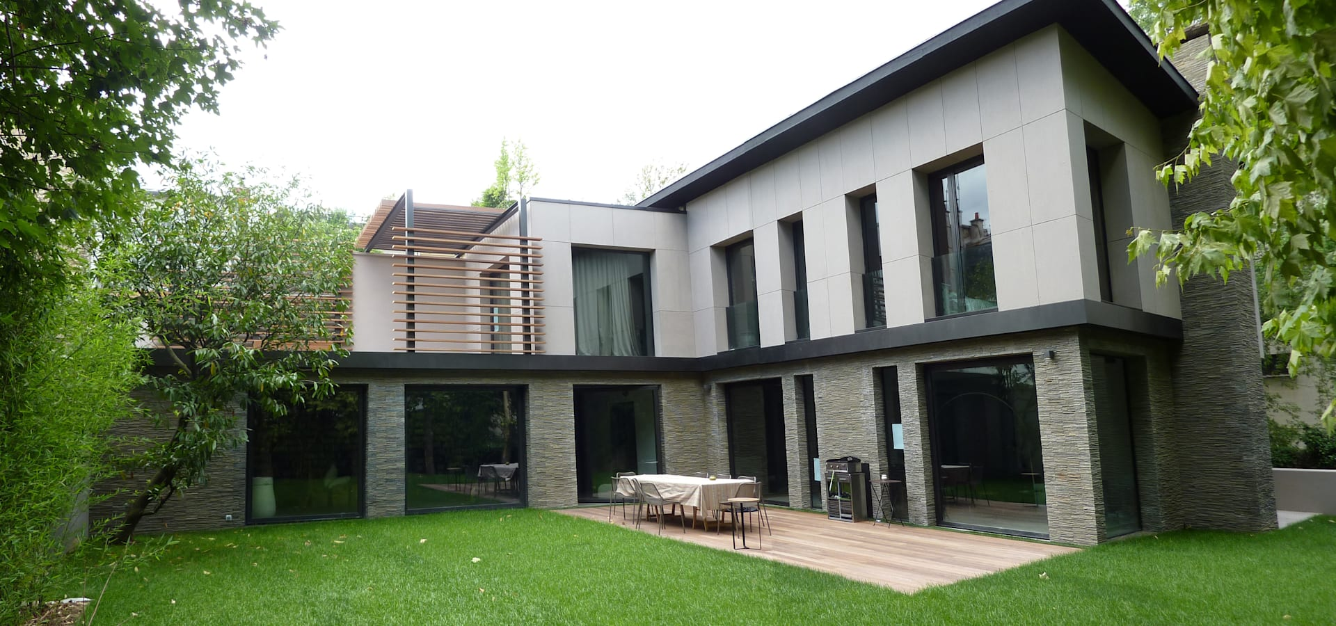 L+R architecture