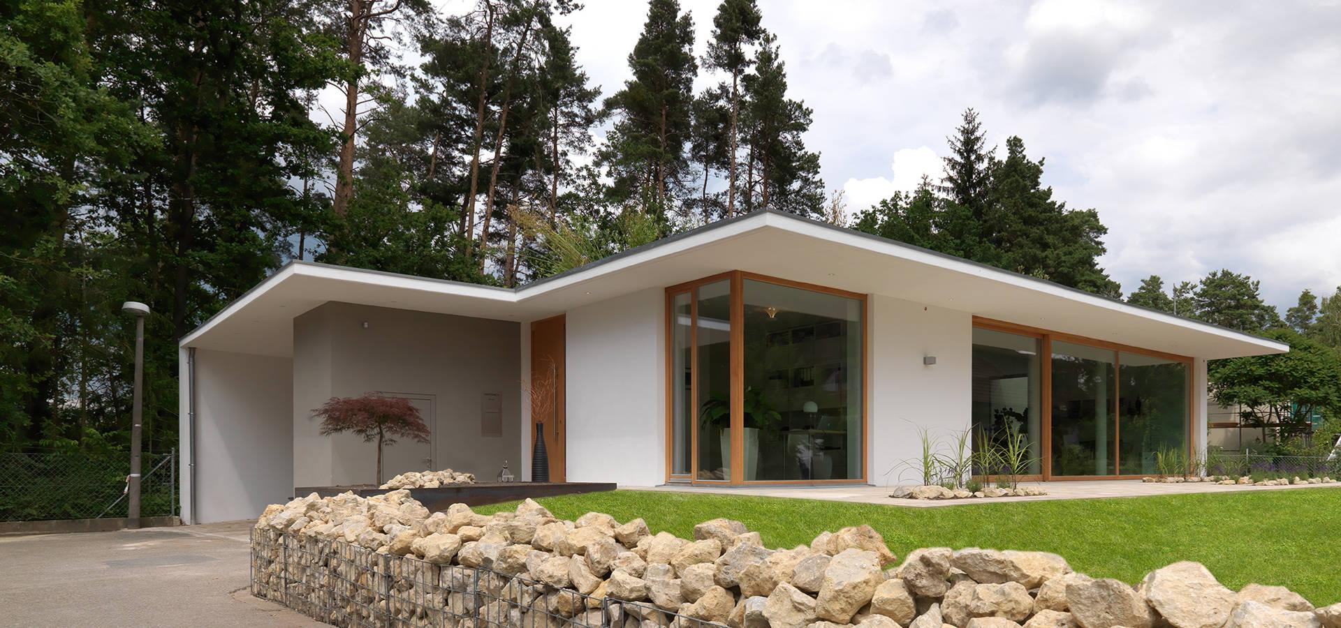 bungalow am hang profesjonalista berm ller hauner architekturwerkstatt homify. Black Bedroom Furniture Sets. Home Design Ideas