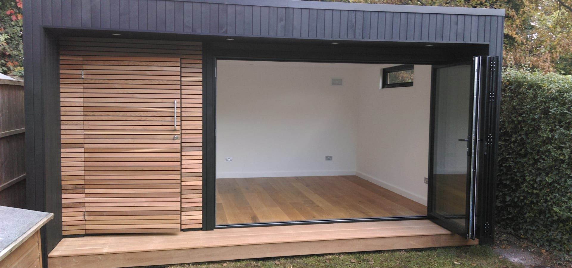 Garden room in queens park london by office in my garden for Modern garden rooms london