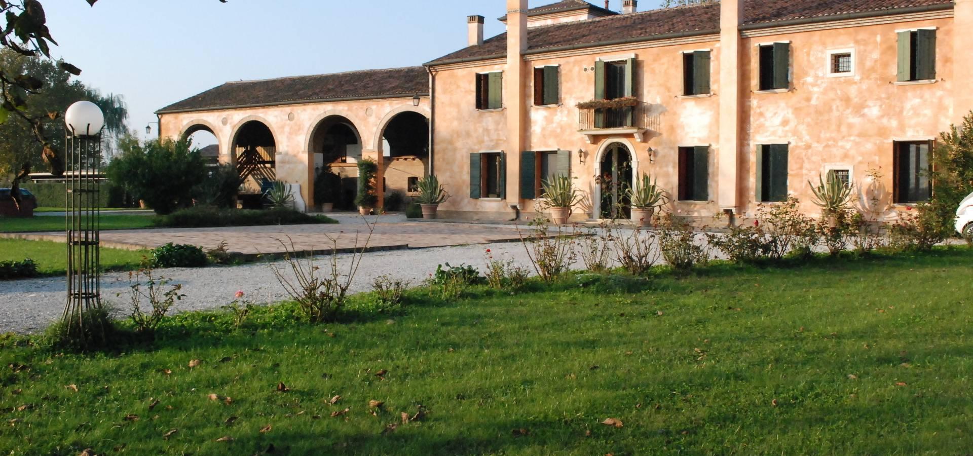 Studio rossettini architetti a padova homify for Immagini di case in stile artigiano