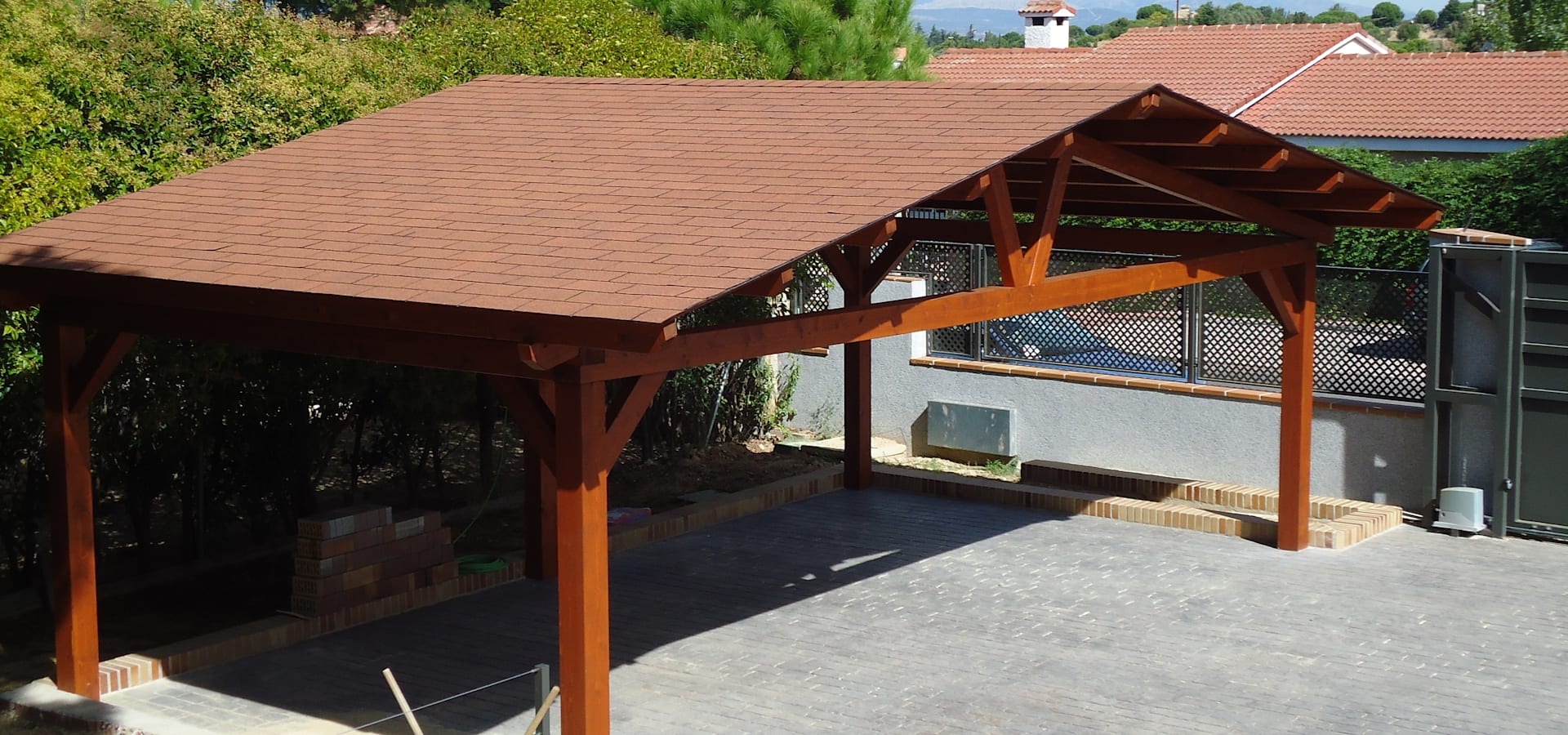 Garajes de madera by pergomadera p rgolas y porches de - Pergolas de madera ...