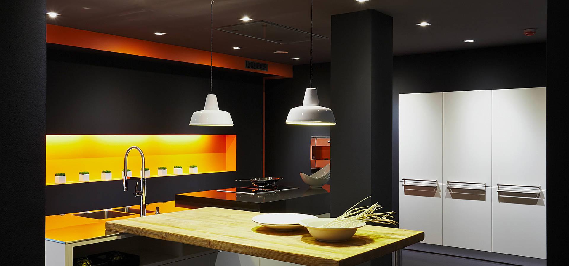 ausstellung von joppe exklusive einbauk chen gmbh homify. Black Bedroom Furniture Sets. Home Design Ideas