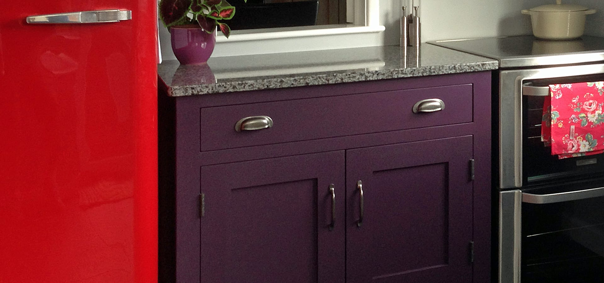 Hallwood furniture kitchen manufacturers in kettering for Furniture kettering