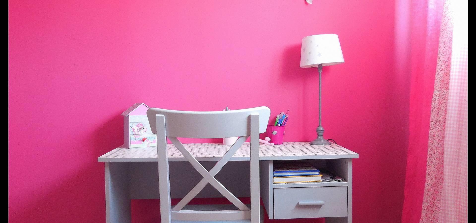 Chambre de jeune fille chambre de jeune fille peinture for Peinture chambre fille rose violet