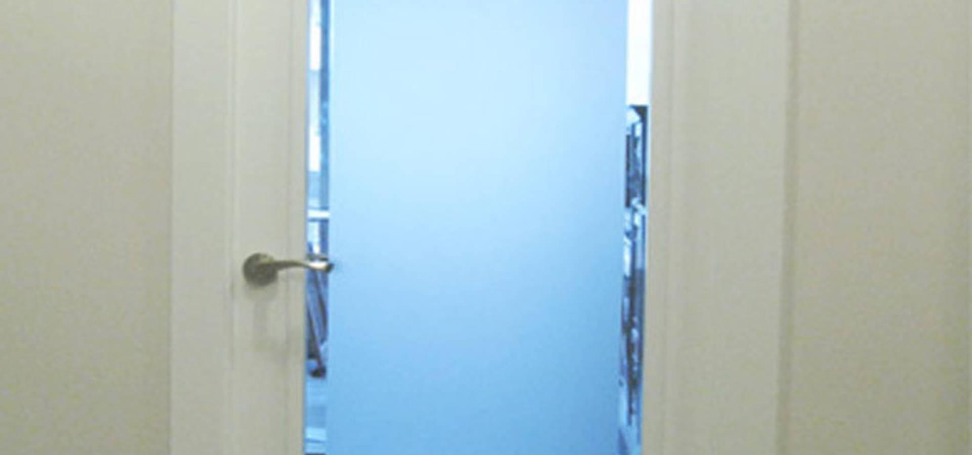 Puertas blindadas a medida con cristal de seguridad de r for Puertas a medida