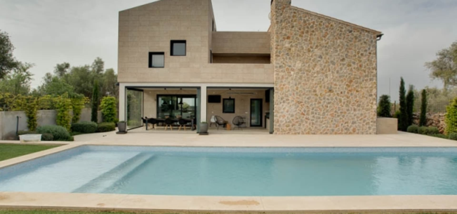 Bornelo Interior Design