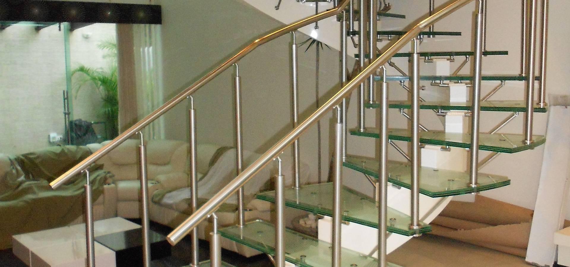 Escaleras con pasamanos de cristal barandas de - Escaleras de acero ...
