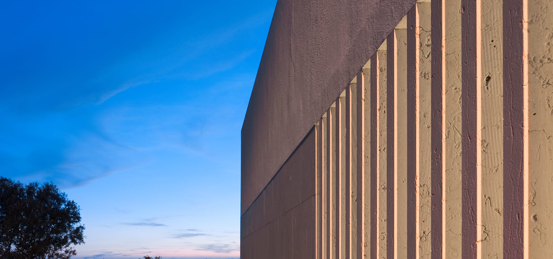MOM – Atelier de Arquitectura e Design, Lda