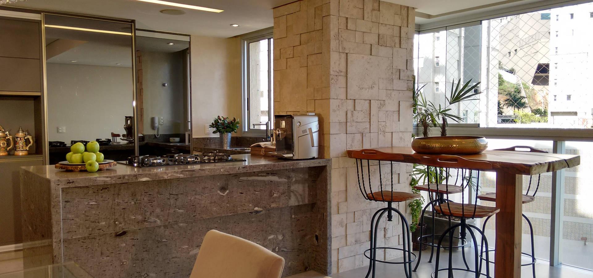 Cozinha americana e salas integradas varanda por for Sala de estar gourmet