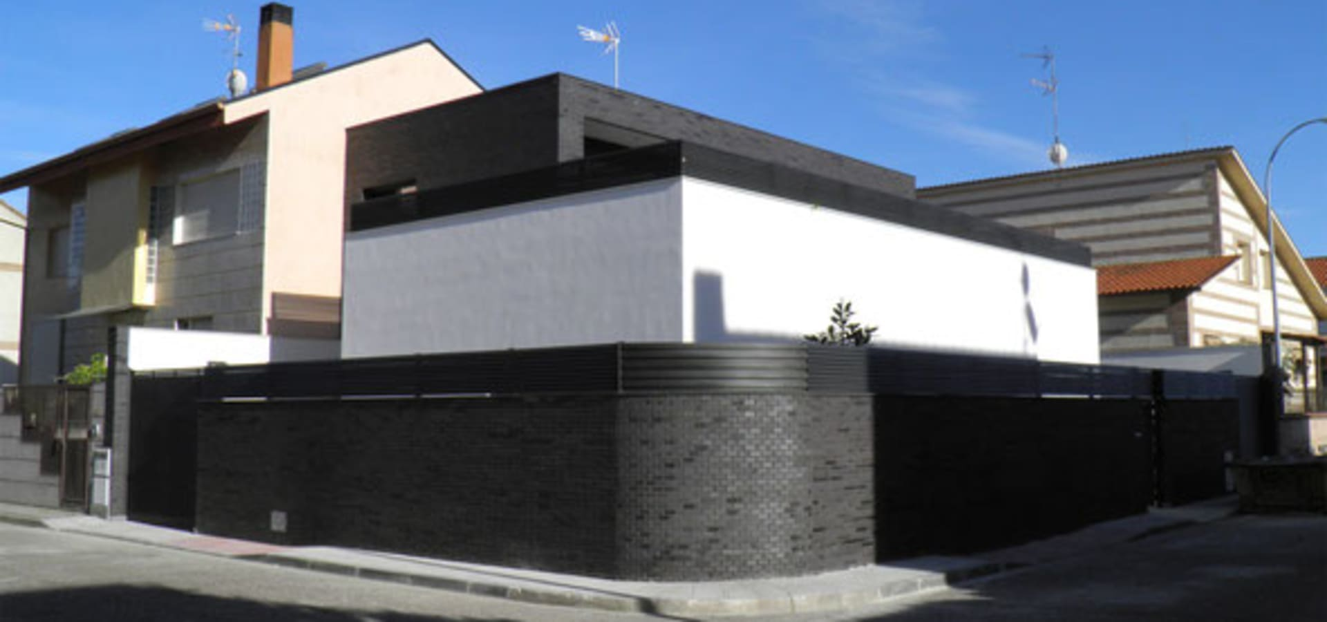 Vivienda unifamiliar toledo by rodrigo p rez estudio de for Estudio de arquitectura