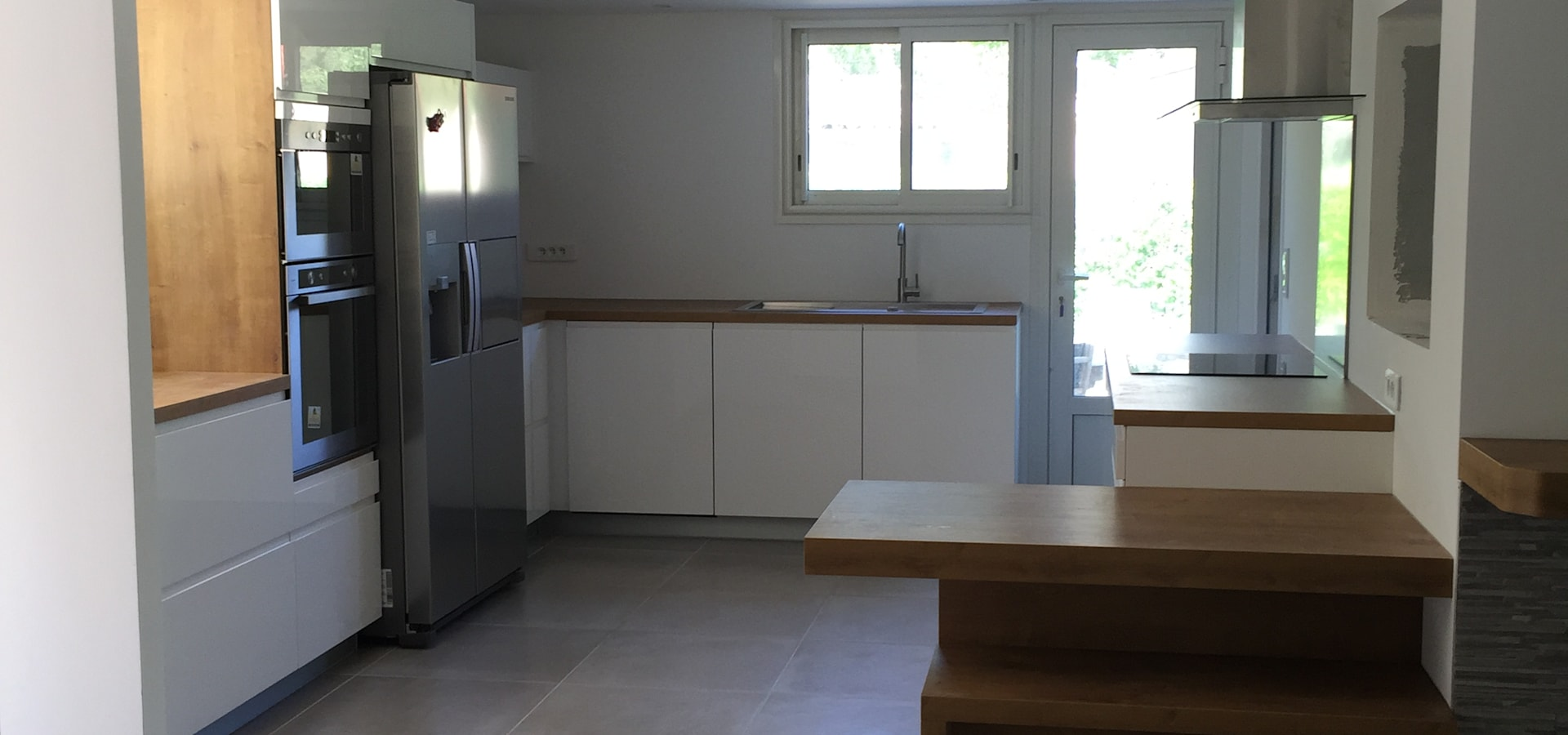 espace decoration cuisinistes marseille sur homify. Black Bedroom Furniture Sets. Home Design Ideas