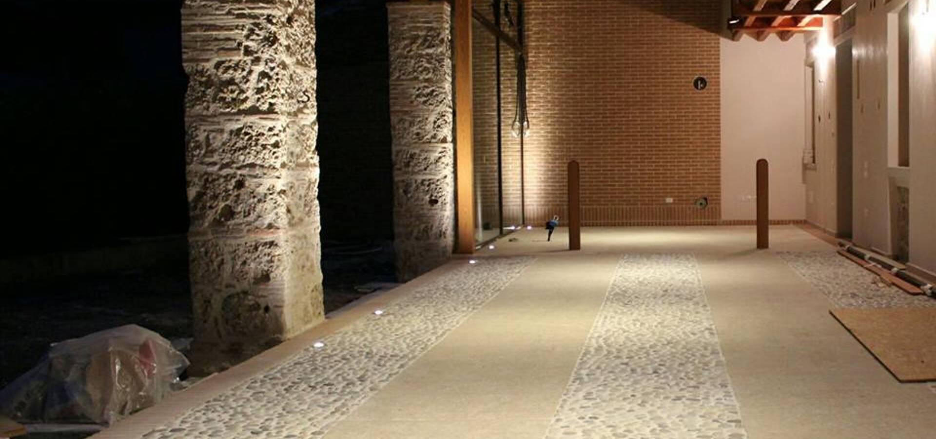 Illuminazione a led di un antica scuderia di mesretail for Illuminotecnica led