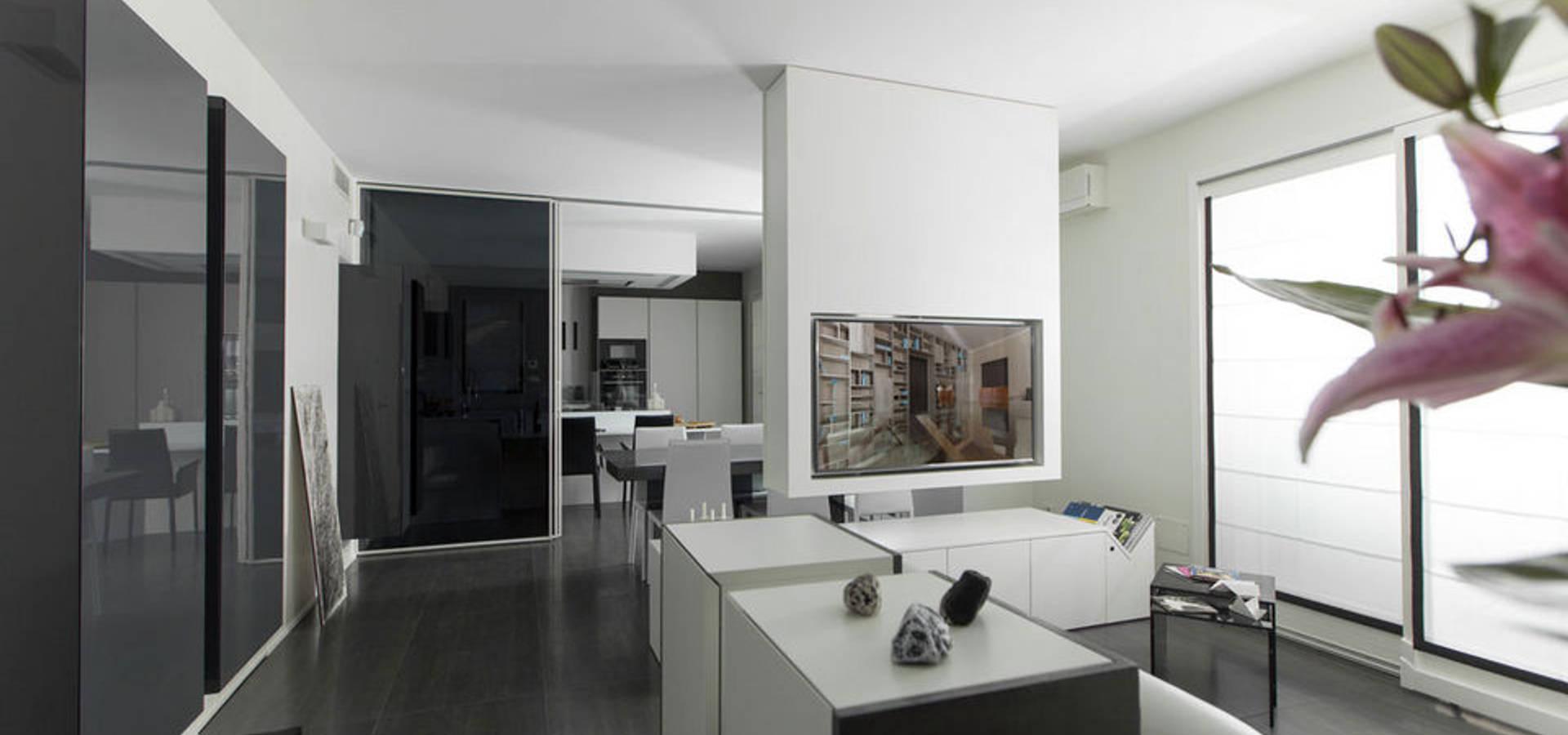 Interni di design loft moderno arredato su misura con for Design moderno interni