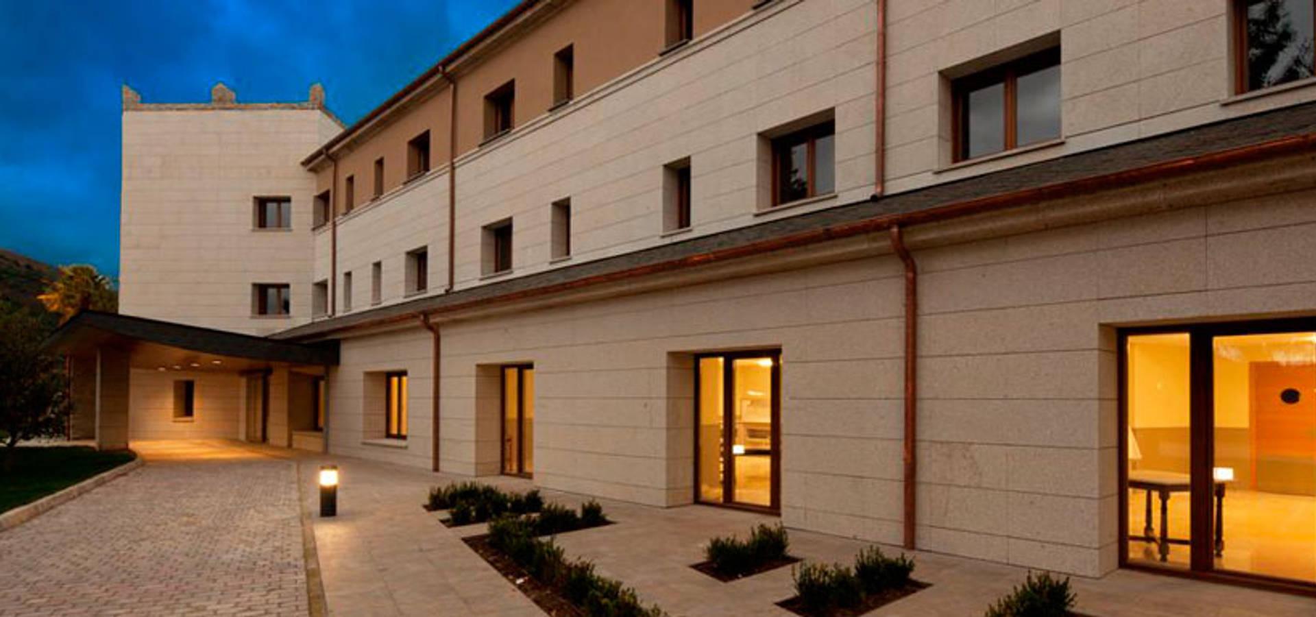 Arquitectura sanitaria de e paradinas arquitecto homify - Arquitectos en avila ...