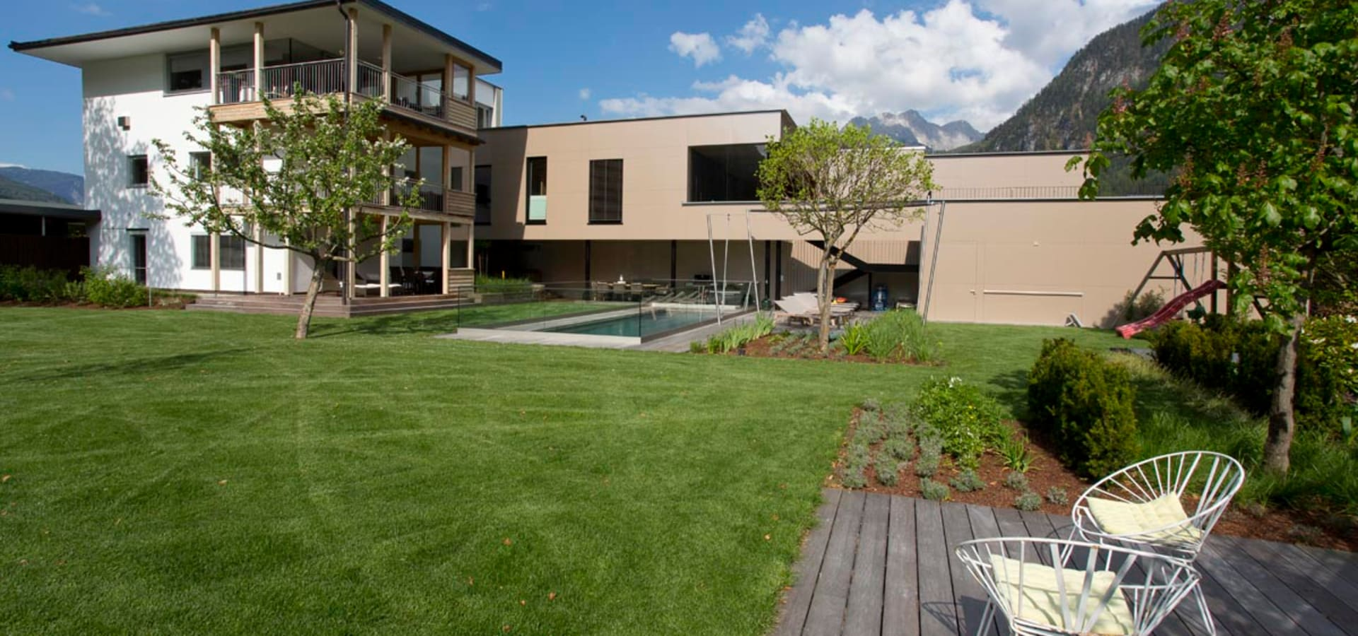 hofgarten mit naturpool by freiraum* gartenarchitektur gmbh | homify - Gartenarchitektur