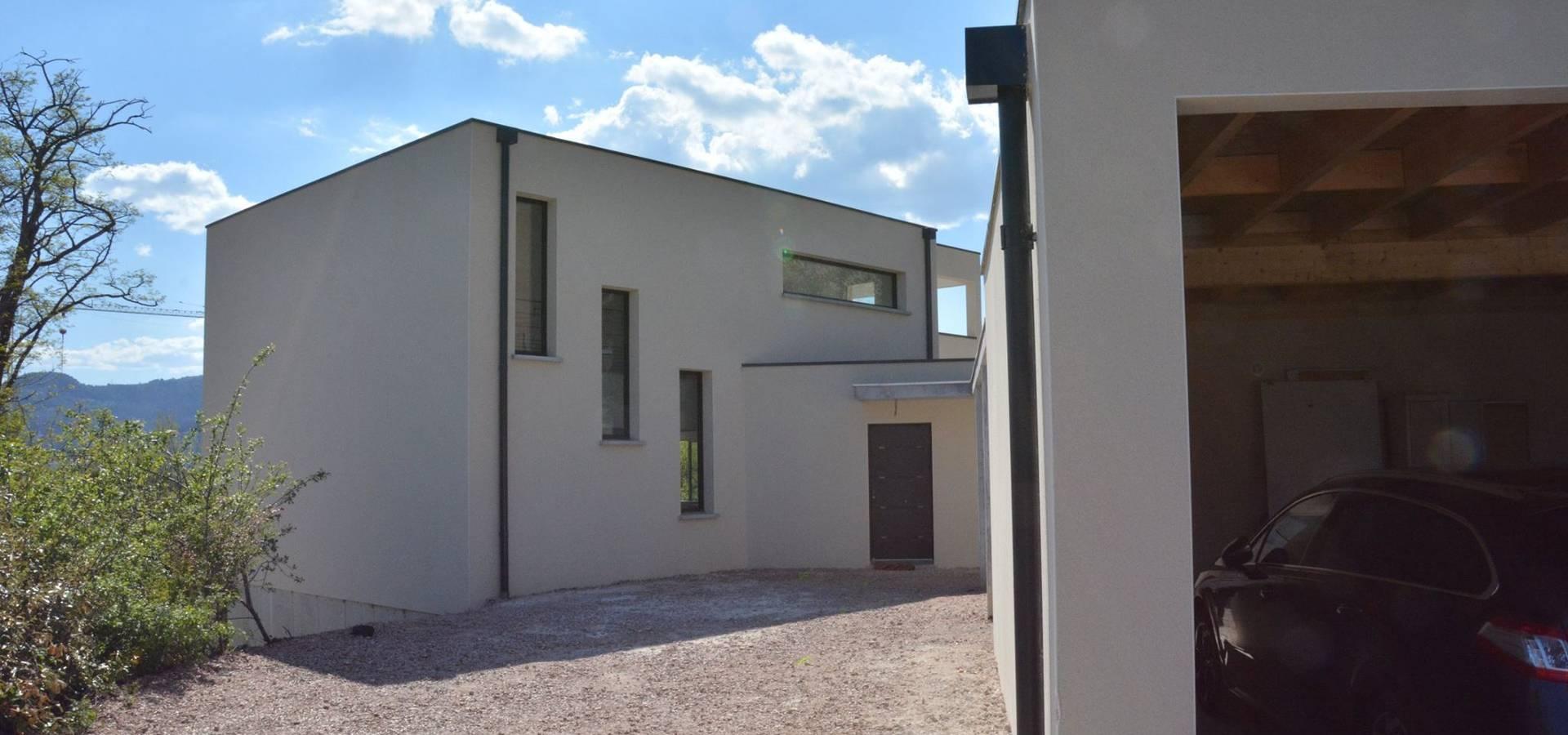 Maison moderne à Clermont-Ferrand von Créaxia | homify