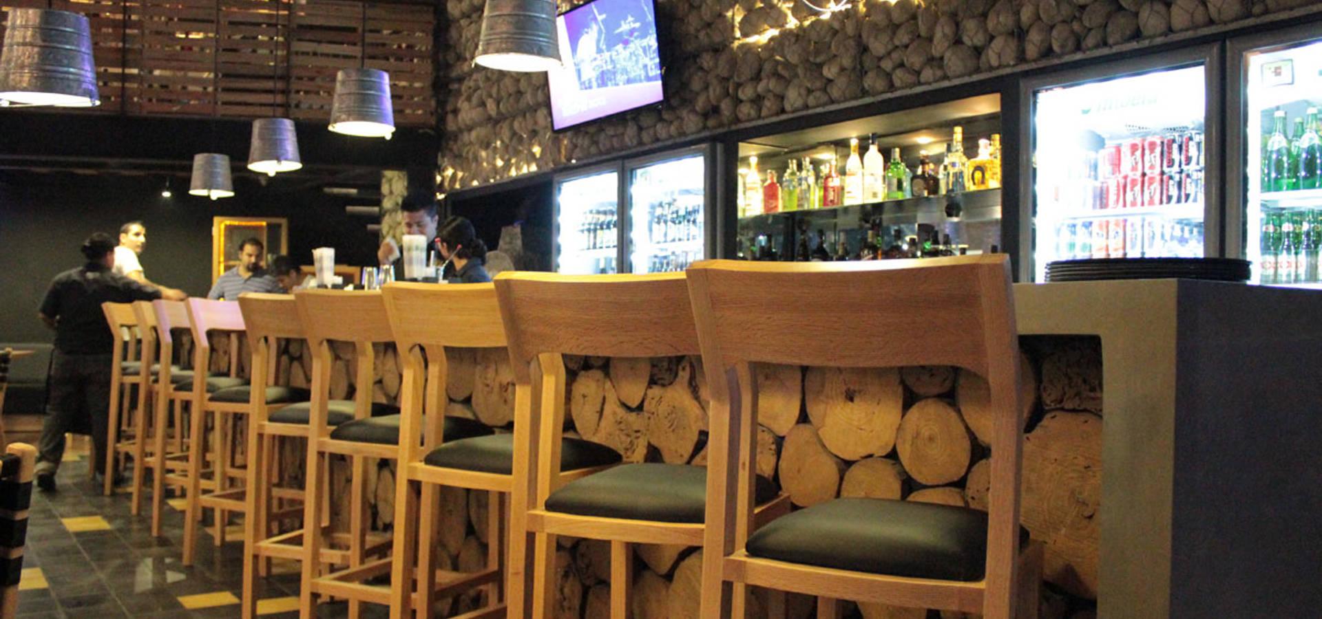 Dise o de restaurante mosto beer house por dise o de bares for Decoracion diseno