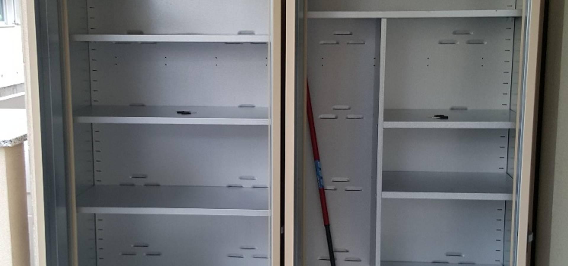 Arredamento esterno con armadi metallici su misura von Mondial new ...