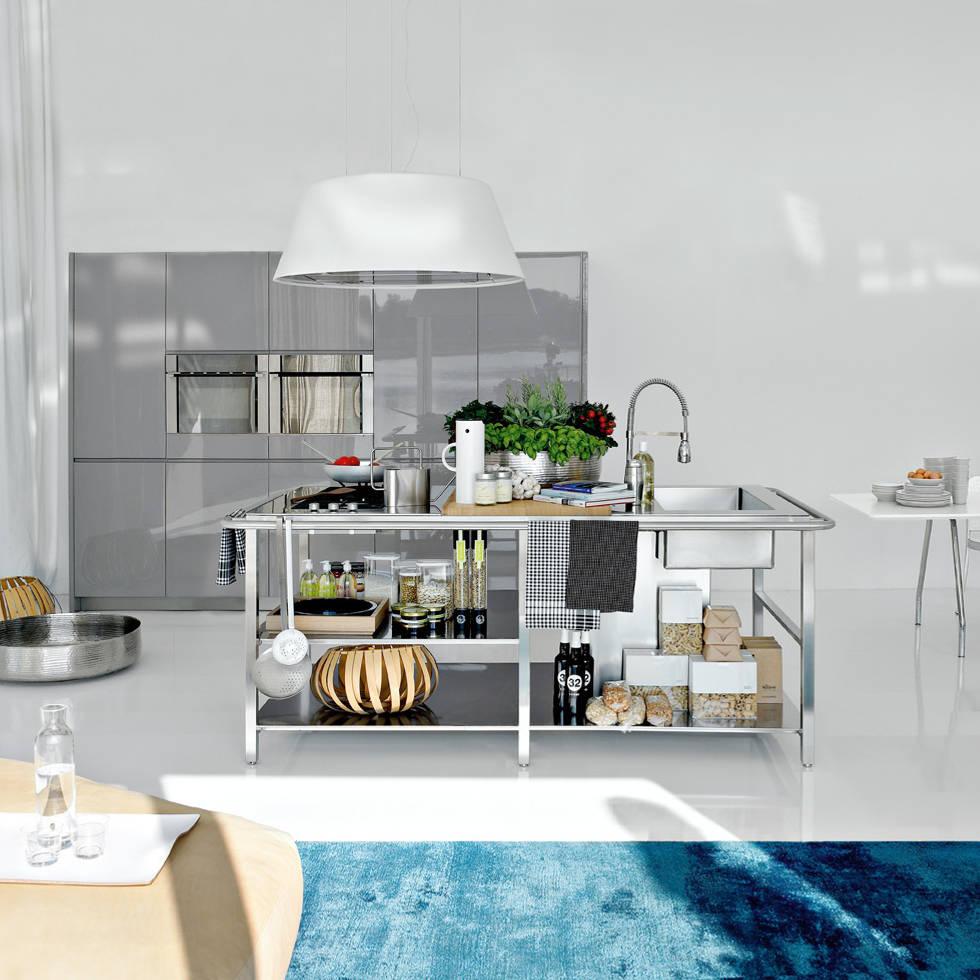 WORK: Cocinas de estilo moderno de Versat