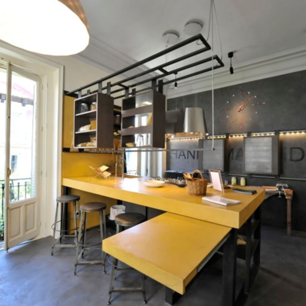 Kitchen Past-IT (Hands Made Ideas): Cocinas de estilo industrial de Simona Garufi