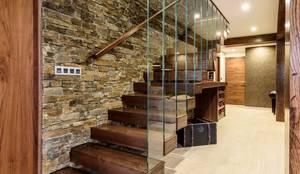 Couloir, Entrée & Escaliers de style de style Moderne par Indire Reformas S.L.