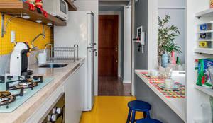 Ambientta Arquitetura: eklektik tarz tarz Mutfak