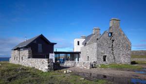 Casas de estilo moderno por WT Architecture