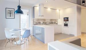 Cocinas de estilo escandinavo de DK architektura wnętrz