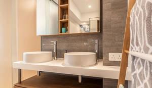 Salle de bain de style de style Minimaliste par arctitudesign