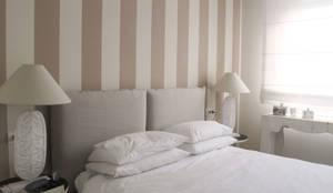 casa Fioriv: Camera da letto in stile in stile Mediterraneo di Studio Matteoni