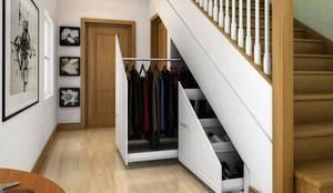 Pasillo, hall y escaleras de estilo translation missing: mx.style.pasillo-hall-y-escaleras.moderno por Chasewood Furniture