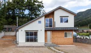 Habitações translation missing: pt.style.habitações.moderno por woodsun
