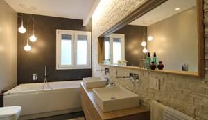 Salle de bain de style de style Moderne par Giuseppe Rappa & Angelo M. Castiglione