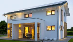 modern Houses by Licht-Design Skapetze GmbH & Co. KG