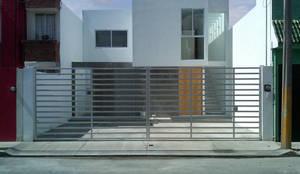 Casas modernas por CCA arquitectos