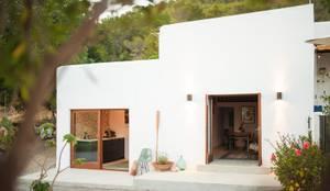 Habitações translation missing: pt.style.habitações.mediterranico por Ibiza Interiors - Nederlandse Architect Ibiza