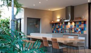 Casas de estilo moderno por Elisa Vasconcelos Arquitetura  Interiores