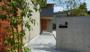 元石川町M邸: 遠藤誠建築設計事務所(MAKOTO ENDO ARCHITECTS)が手掛けたtranslation missing: jp.style.家.modern家です。
