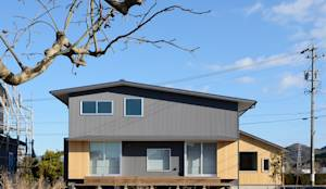豊橋市 石巻町の家2015: 株式会社kotoriが手掛けたtranslation missing: jp.style.家.modern家です。