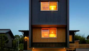 北側外観: 磯村建築設計事務所が手掛けたtranslation missing: jp.style.家.modern家です。