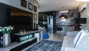 Apartamento Jovem Empresário - SBC: Salas de estar modernas por Paula Carvalho Arquitetura